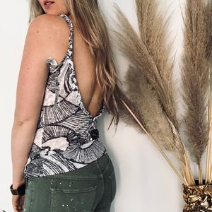 NEW BUCKLE Backless Sheer White Printed Tank Top M